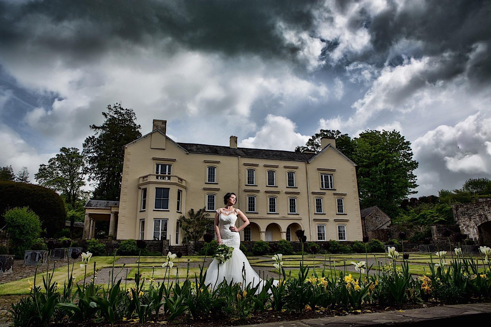 Aberglasney Bridal Fashion shoot